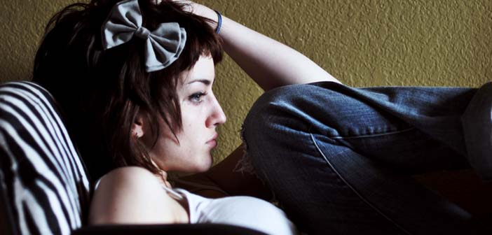 Sad-depressed-stressed-young-woman-by-Andrea-Rose-Creative-Commons